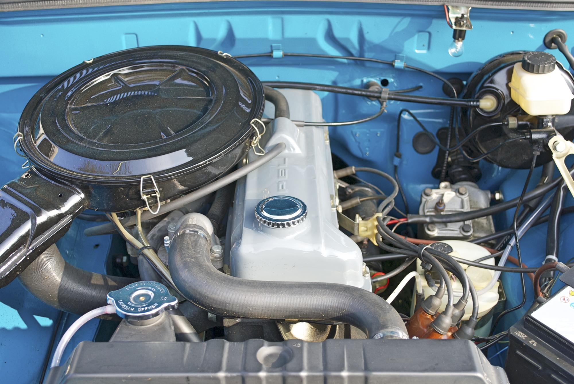 Opel Motorraum