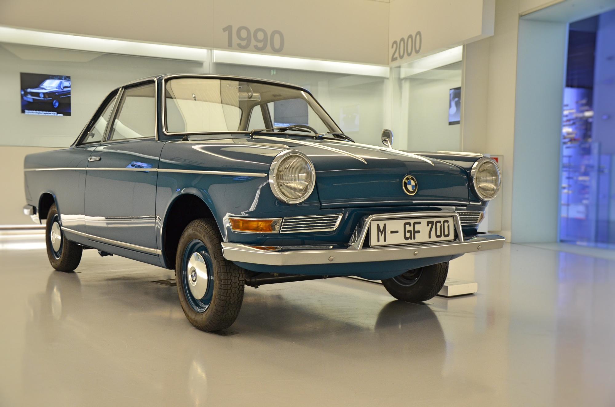 BMW 900 LS