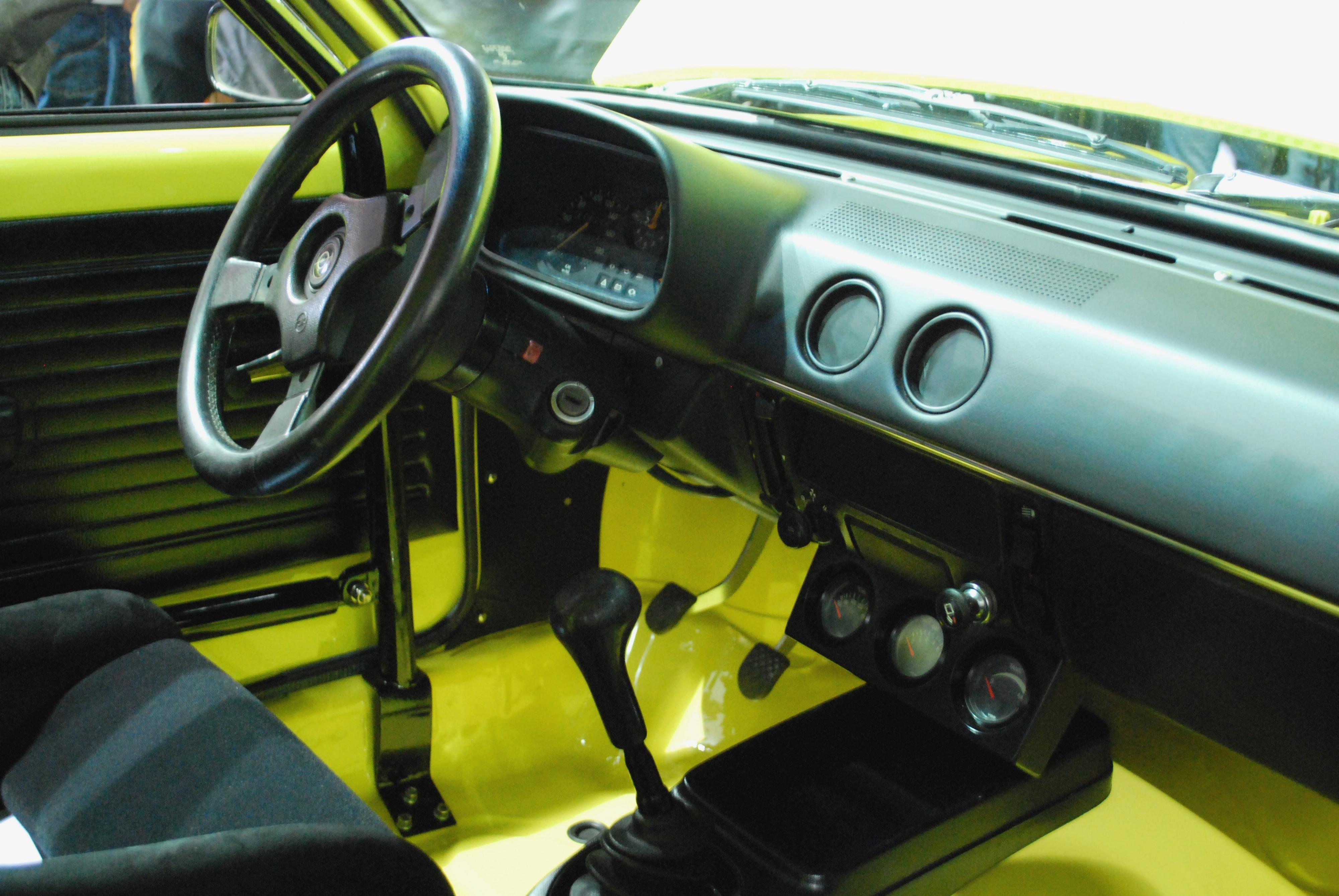 Opel Kadett C Coupé Interieur
