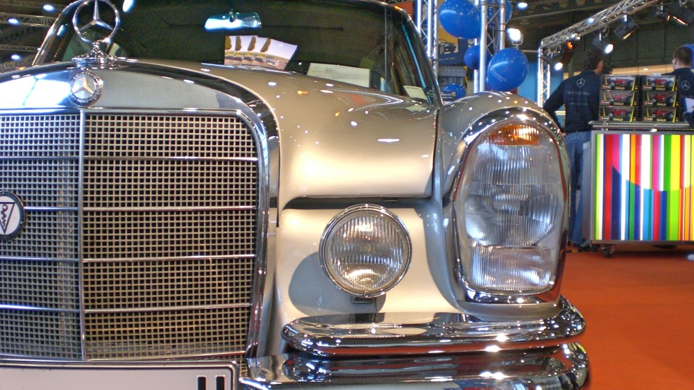 Mercedes Benz Classic Stand