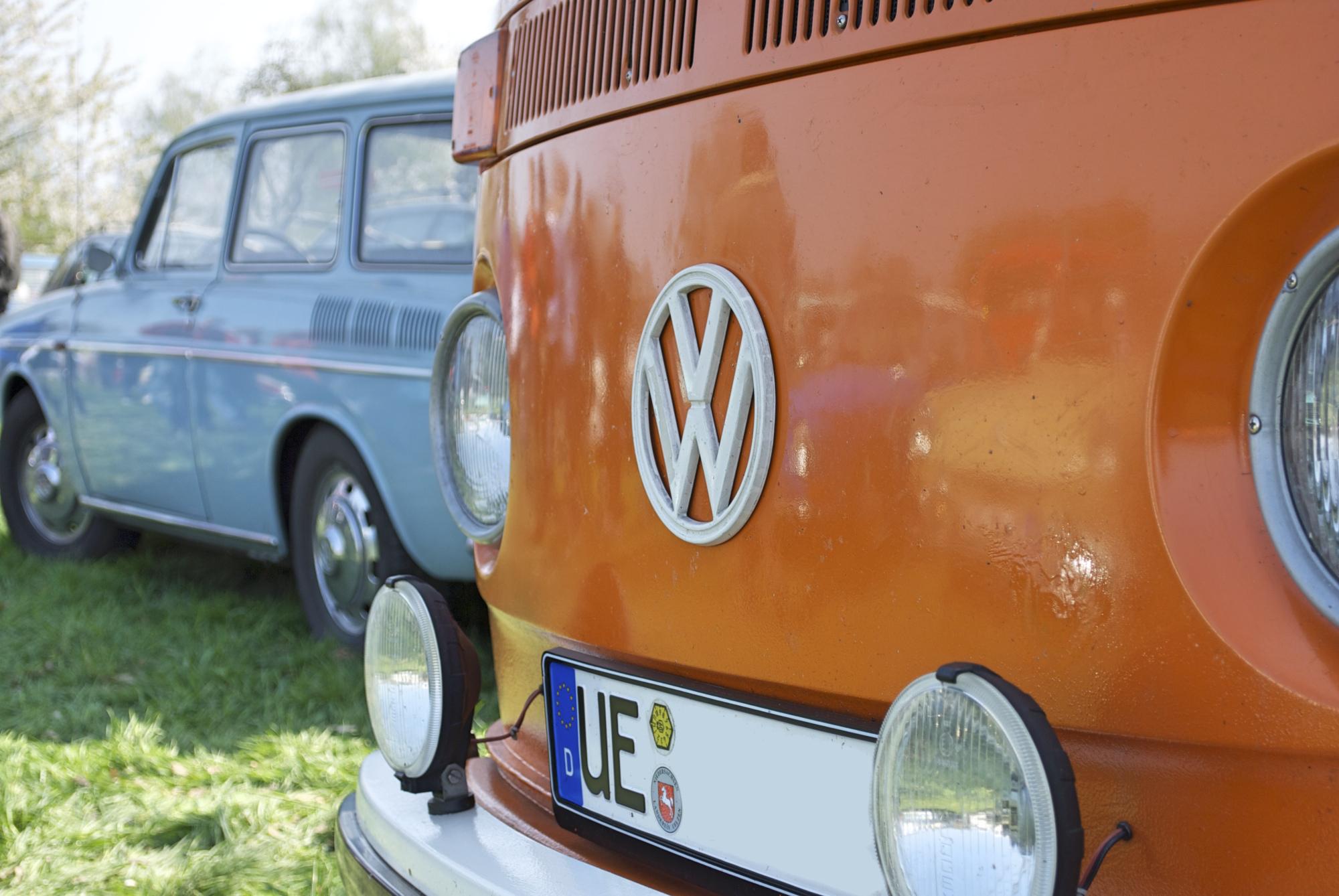 VW Bus T2 und VW 1600