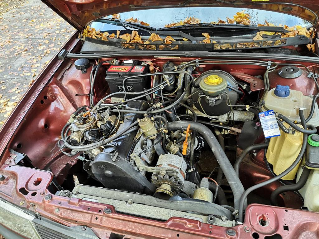 Audi 80 B3 Typ 89 Motorraum