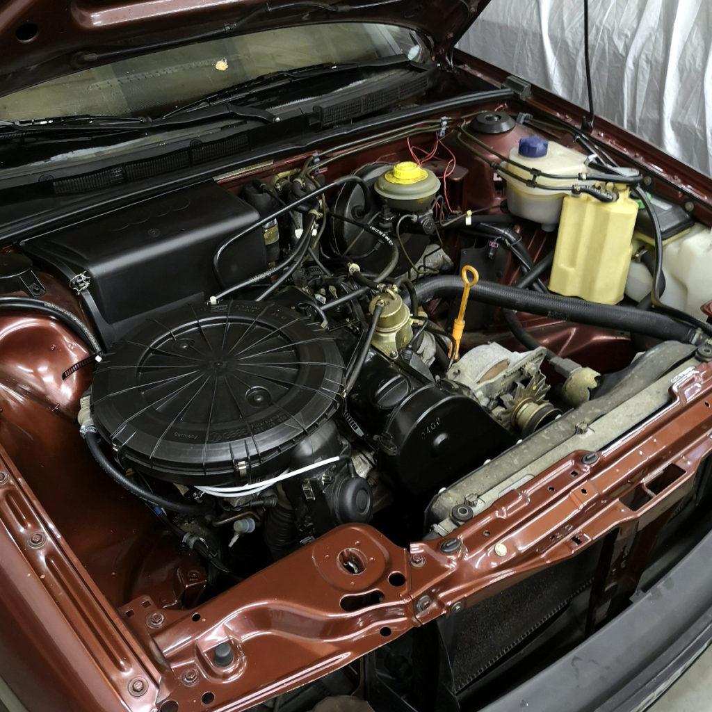 Motorraum Audi 80 B3 Typ 89